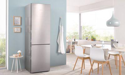 Side By Side Kühlschrank In Küche Integrieren : Kühl gefrierkombination getrenntes kühlen und gefrieren in einem